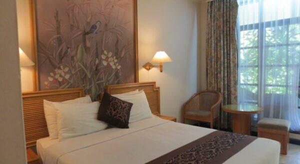 Beberapa tipe kamar yang ditawarkan di Hotel Ari Putri Sanur.