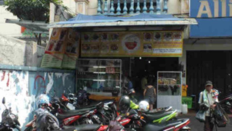 Yung Mie Bangka bogor salah satu tempat makan baso favorit saya di kota bogor.