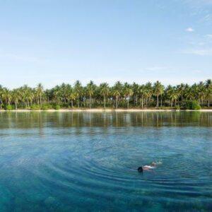 lokasi snorkeling di pulau karimun jawa, indah rasakan sendiri