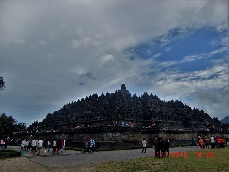 Tahun Baru Ke Candi Borobudur Boro Boro Lihat Candi