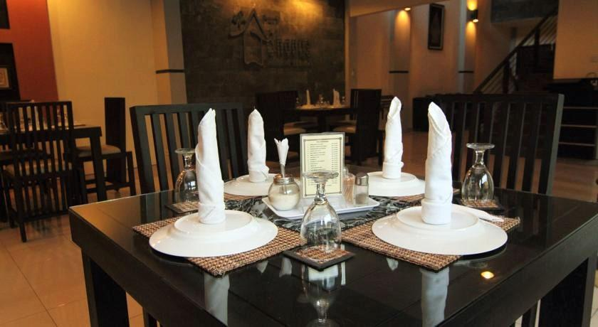 Ruang Sarapan di Puri Chorus Hotel